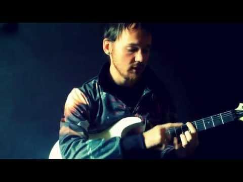 Как научиться играть быстро на гитаре видеоурок  How to play fast on electric guitar.[eng subs]