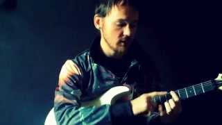 Как научиться играть быстро на гитаре видеоурок  How to play fast on electric guitar.[eng subs](Как научиться играть быстро на электрогитаре и как развить технику видеоурок часть 1 Начинаю серию уроков..., 2014-12-03T16:58:13.000Z)