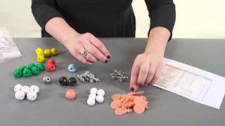 Building a molecule with the molecular modeling kit
