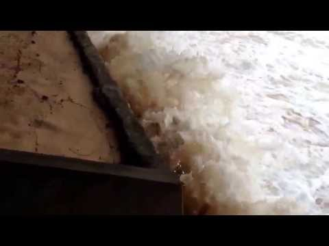 Bờ biển xấu xí bị xâm thực ở Phú Quốc