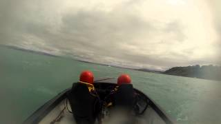 Offshore Powerboat Racing - Taking on 2 metre swells (watch in HD 1080p)
