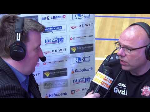 Coaches Driessen en Van der Linden na afloop van game 2