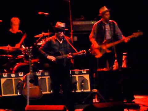 Elvis Costello & The Imposters - A Slow Drag With Josephine @Circo Teatro Price, Madrid 27/07/2013