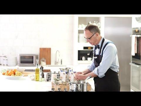 Last-Minute Thanksgiving Hack: Make Store-Bought Stock Taste Homemade