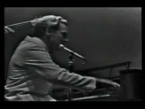 JERRY LEE LEWIS - ROCKIN PNEUMONIA AND THE BOOGIE WOOGIE FLU.