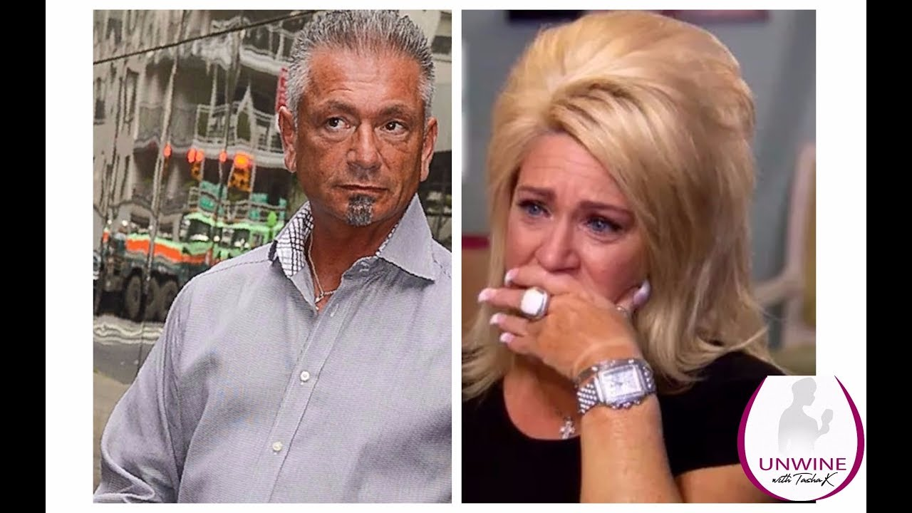 Long Island Medium Theresa Caputo REVEALS What Caused Her Marriage To End  After 10 Years