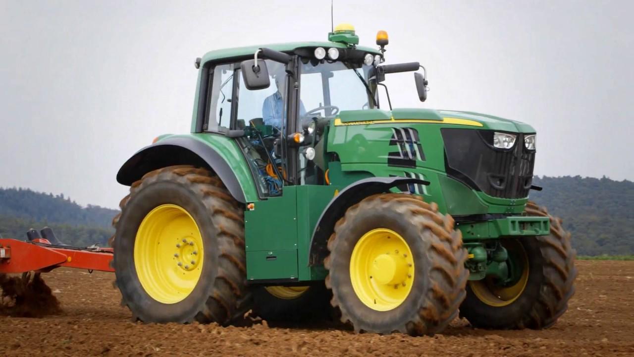 John Deere's electric tractor in action - YouTube