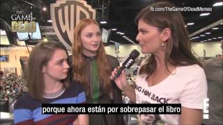 ENTREVISTA:  Maisie Williams y Sophie Turner Comic-Con 2015 (Subtitulado)