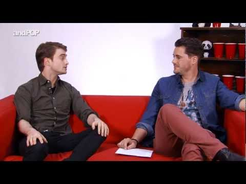 Daniel Radcliffe Interview - Daniel Talks About Dealing With Paparazzi