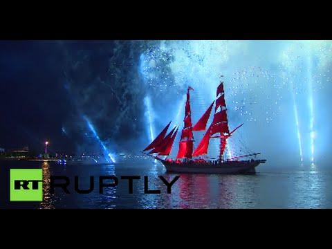 St.Petersburg celebrates graduation day with 30 000 fireworks