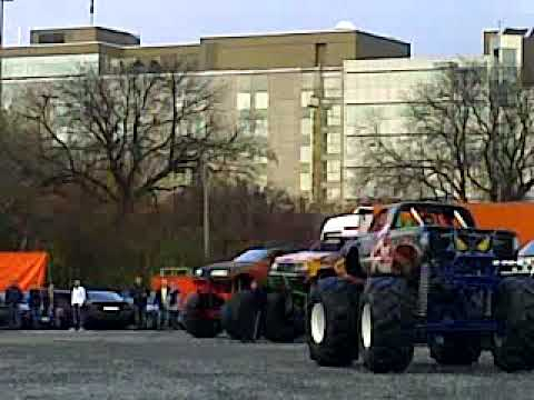 Monster Truck Show Dusseldorf Trucks Crash Cars Youtube