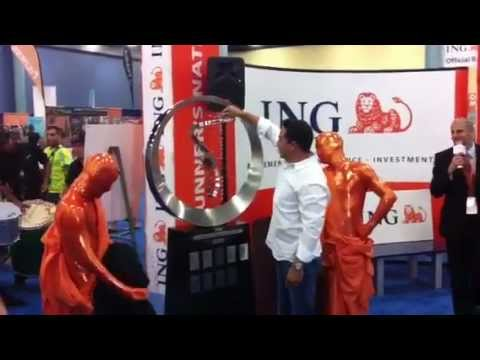 Unveiling of the ING Miami Marathon Official Champions Trophy