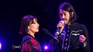 'Un año de amor' interpretada por Luz Casal y Emmanuel del Real
