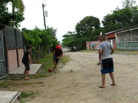 Ninos Jugando En La Calle Youtube