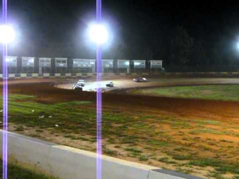Brock Love gets caught up in lap traffic at Green Valley Speedway