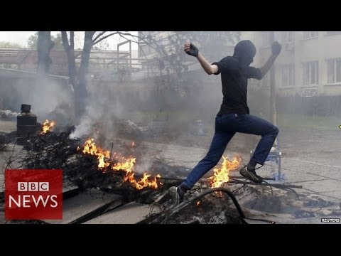 Deadly battles on Mariupol streets - BBC News