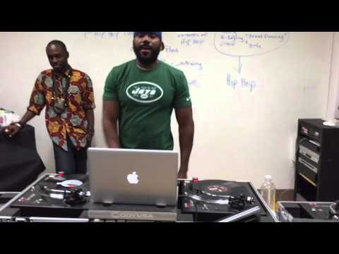DJ Skills & Styles class of Spring 16 learns how to scratch