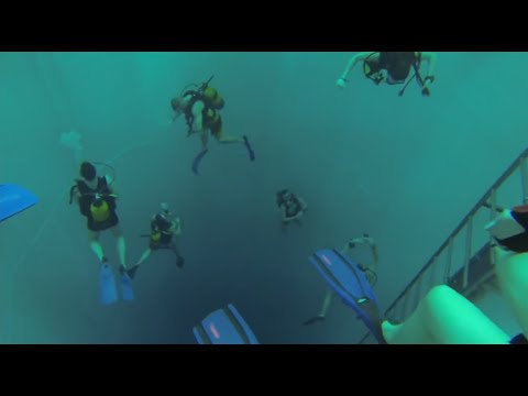 Diving at the worlds deepest diving pool: Nemo33 Brussels 2/3