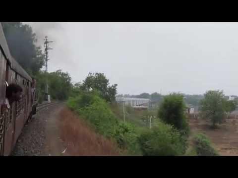 750!! Akola-Mhow Meter Gauge Passenger crossing Narmada River Bridge, Omkareshwar!