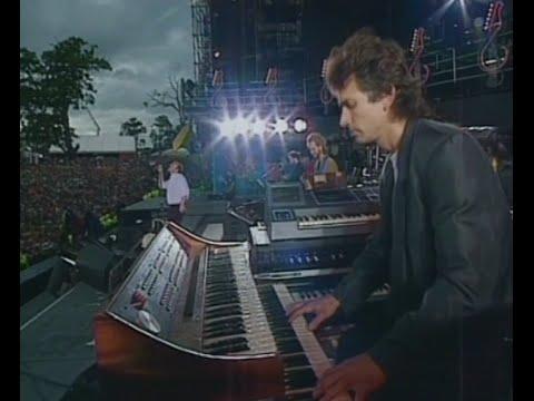 Genesis - Mama (Live Knebworth 1990) - High Quality