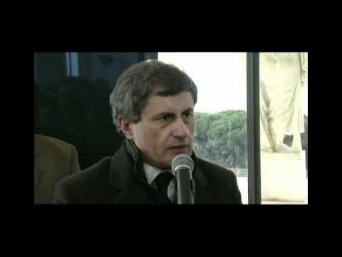 Gianni Alemanno visita il palazzo della Civiltà Romana  Eur.mp4