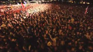 Slipknot live at Download 2009 with the song Spit it Out. People......