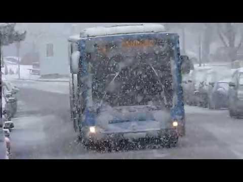 Emt de Madrid - Mercedes Benz Citaro circulando con nieve