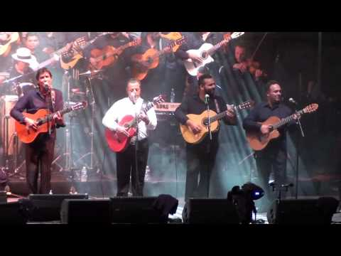 Chico & The Gypsies Et les 50 GUITARES Concert Arenes D'arles 26 Juin 2015