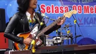 1.  T'Koes Band Live SMKN 1 Garut (Laguku Sendiri, Bis Sekolah, Diana Kekasihku)