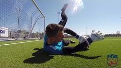 Torwart warm up am Deutschen Fußball Internat