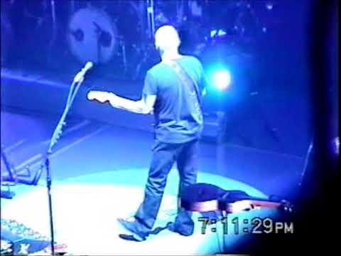 David Gilmour  2006-04-10 - On An Island Tour Massey Hall