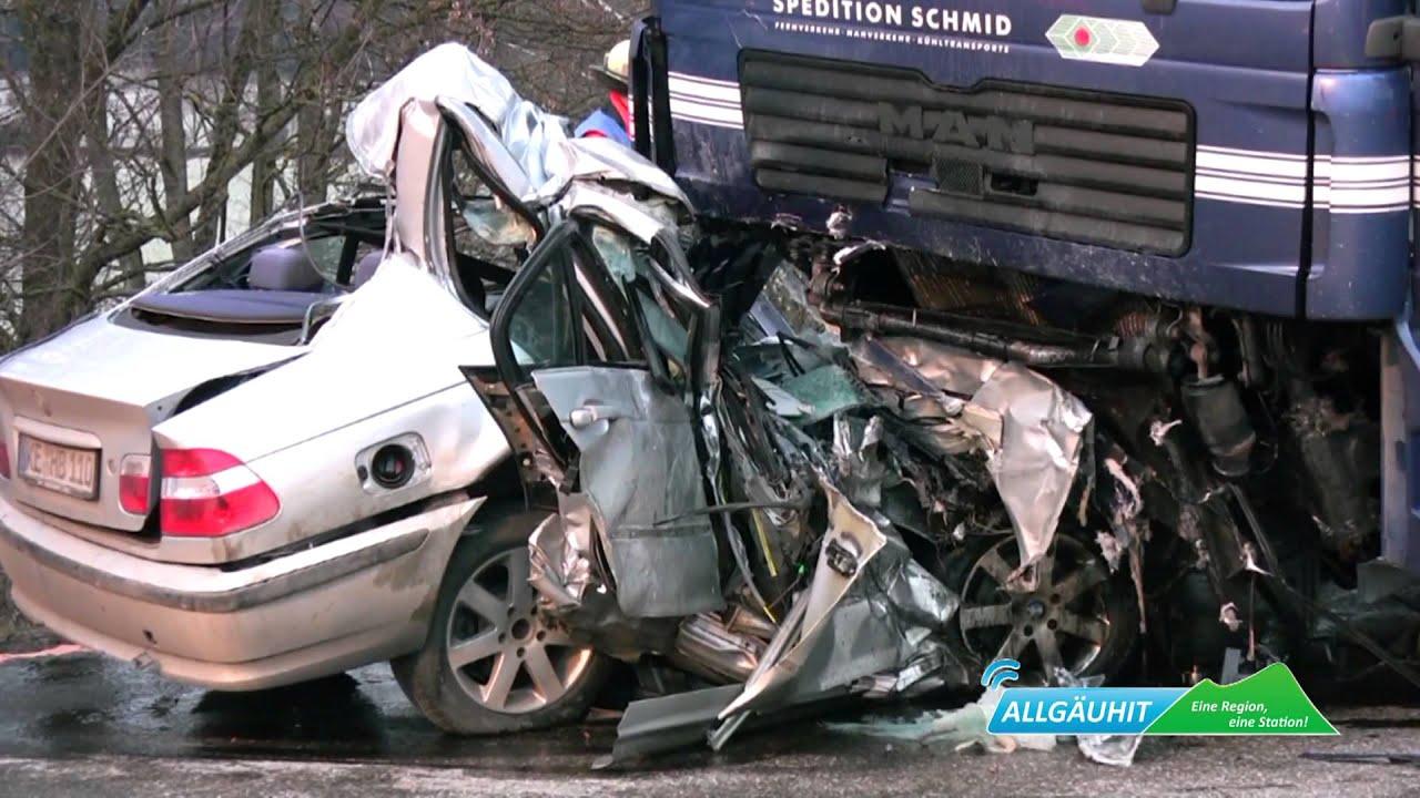 Tödlicher Verkehrsunfall auf der B12 - YouTube