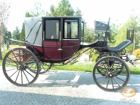 Traditional reproduction horse carriages