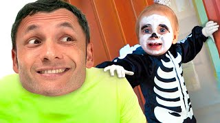 Download Детская песня на Хеллоуин - Песни для детей от Maya and Mary Mp3 and Videos