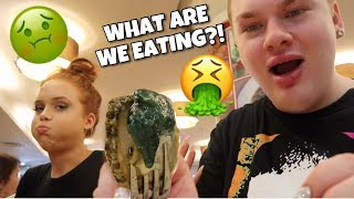 HONG KONG VLOG | WHAT ARE WE EATING?!?