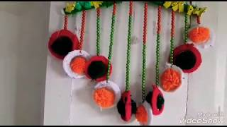 DAY BEAUTIFUL WALL HANGING TORAN MAKING!!HOW TO MAKE WALL HANGING TORAN FORM WOOLEN AND OID BANGLES