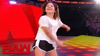 A WWE fan channels Carmella during TV break: Raw Exclusive, June 3, 2019