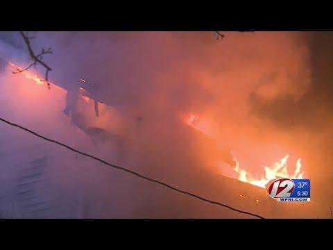 Firefighter hurt battling Federal Hill fire