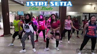 Download lagu ISTRI SETIA BY NELLA KHARISMA | dangdut | senam kreasi | zumba | lilac | pangkalpinang