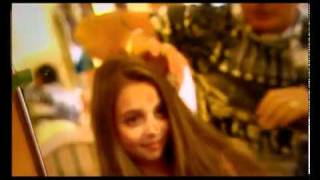 أنضرو ماذا تفعل فتاة أمريكية عمرها 11 عاما.flv