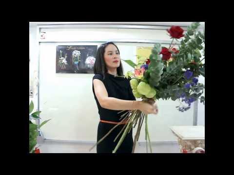 How to make a Long Bouquet :::การจัดดอกไม้แบบ ช่อยาว:::