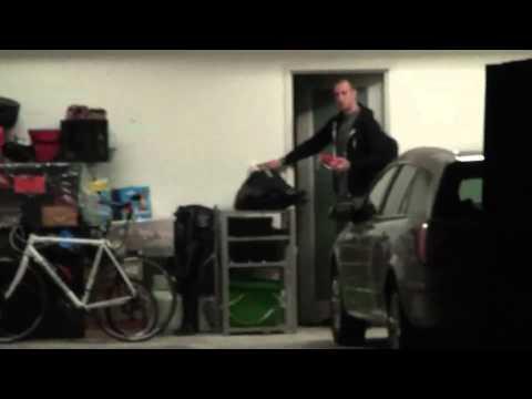 Wippa steals the Snackvan from Fitzy's garage