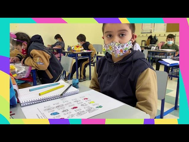 Alumnos de 1° y 2° básico bilingüe aprenden matemáticas en inglés