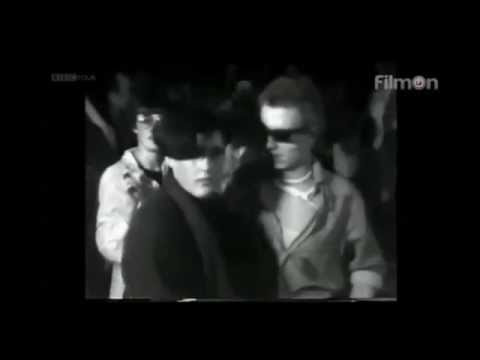 The Clash -  Live at the Roxy, New Year's Day 1977 (Video)