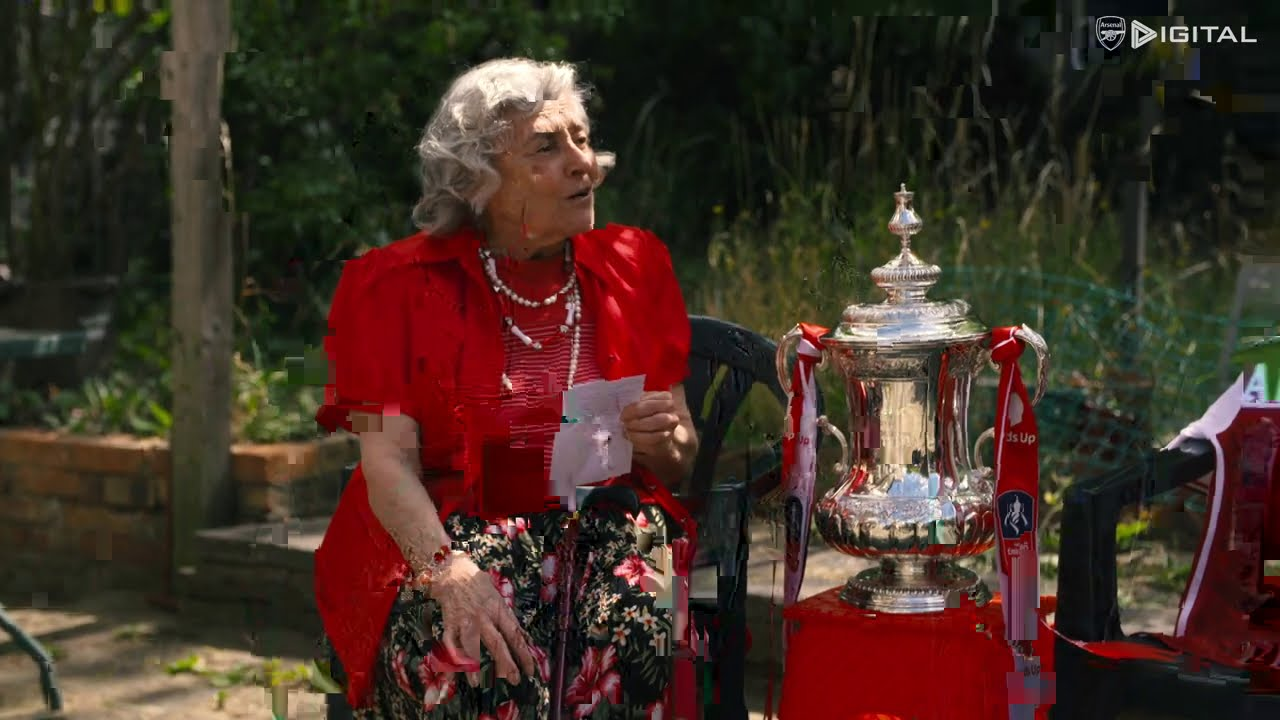 IT'S THE CUP?!   Arsenal legends shock fans with the Emirates FA Cup for the surprise of a lifetime