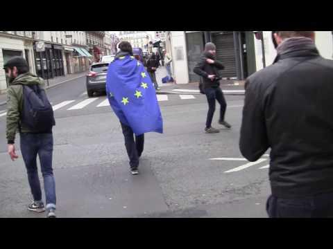 Quand un europhile veut provoquer l'Action Française en manif mais fait un flop.