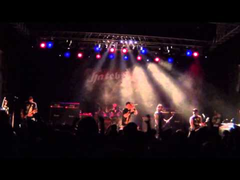 Hatebreed - Honor Never Dies  live in Biarritz ( France )  2013