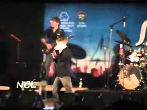 הכוכב יונתן שינפלד - לא תנצחו אותי בראשלצ' ♫ (וידאו)