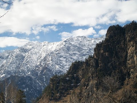 A tour  guide to Manali -