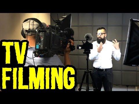 Talk Shows aur Documentaries Waghera - Pardeh Keh Peecheh Kaiseh Lagta Hai | Azad Chaiwala Show